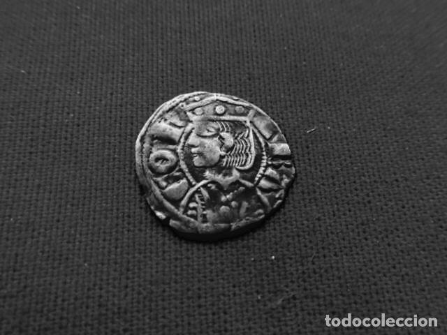DINERO DE VELLÓN JAIME II 1291 - 1327 ARAGON. (Numismática - Medievales - Cataluña y Aragón)