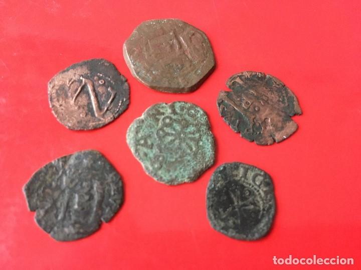LOTE DE 6 MONEDAS DE LOS AUSTRIA DE LA CECA DE NAVARRA, ACUÑADAS EN COBRE (Numismática - Medievales - Navarra)