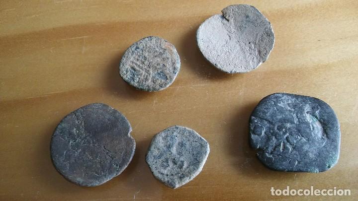 Monedas medievales: LOTE DE RESELLOS MONEDA PIRATA. lote 4 - Foto 2 - 105662303