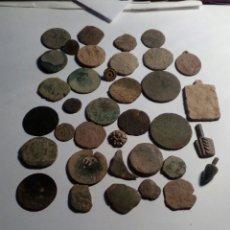 Monedas medievales: LOTE DE 36 ,PIEZAS ENTRE MONEDAS BOTONES MEDALLAS Y MAS. Lote 114971144