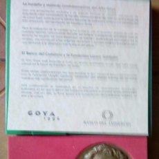 Monedas medievales: MEDALLA Y MONEDA 2000 PESETA PLATA CONMEMORATIVA DEL AÑO DE GOYA. Lote 126785787