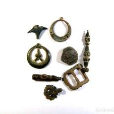 Monedas medievales: LOTE DE DISTINTOS OBJETOS MEDIEVALES. Lote 182595066