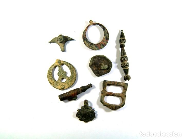 Monedas medievales: LOTE DE DISTINTOS OBJETOS MEDIEVALES - Foto 2 - 182595066
