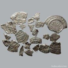 Monedas medievales: CONJUNTO DE FRAGMENTOS DE DIRHAM, PERIODO OMEYA, (10 G). B52-L. Lote 245607695