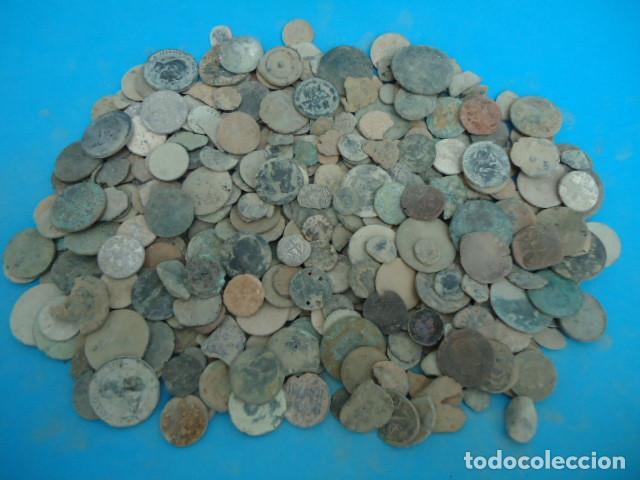 GRAN LOTE DE MAS DE 1,200 GRS DE MONEDAS . (Numismática - Hispania Antigua- Medievales - Otros)