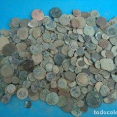 Monedas medievales: GRAN LOTE DE MAS DE 1,300 GRS DE MONEDAS .. Lote 262781310