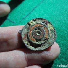 Monedas reinos visigodos: BONITO BOTON VISIGODO CON PASTA VITREA . Lote 151280222