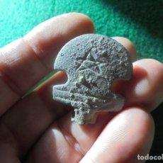 Monedas reinos visigodos: BONITA Y CURIOSA AGUJA DE CINTURON EN BRONCE , CON BONITA DECORACION. Lote 171107063