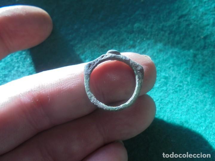 Monedas reinos visigodos: curioso anillo en bronce - Foto 2 - 241960955