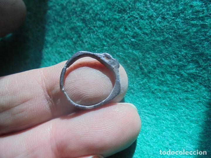 Monedas reinos visigodos: bonito anillo de plata , decorado con una cruz , diametro 17 mm - Foto 3 - 244678965