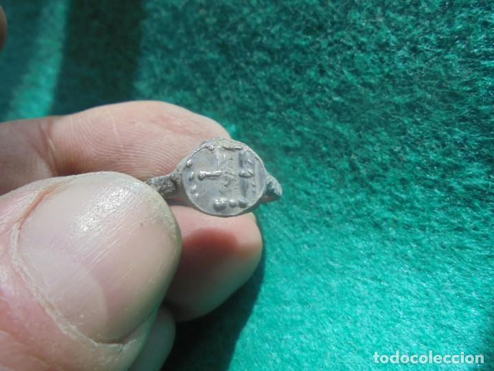 Monedas reinos visigodos: bonito anillo de plata , decorado con una cruz , diametro 19 mm - Foto 2 - 244679125
