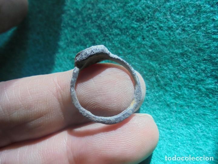 Monedas reinos visigodos: bonito anillo de plata , decorado con una cruz , diametro 19 mm - Foto 3 - 244679125