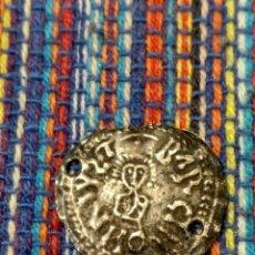 Monedas reinos visigodos: TRIENTE DE RECAREDO I CECA DE BARCINONA BARCELONA FALSIFICACIÓN DEL SIGLO XVIII-XIX 2 PERFORACIONES. Lote 275204368