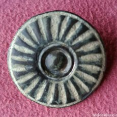 Monedas reinos visigodos: BOTÓN VISIGODO BRONCE TALLADO. Lote 276994013