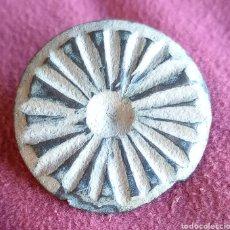 Monedas reinos visigodos: BOTÓN VISIGODO DE BRONCE TALLADO. Lote 286769788