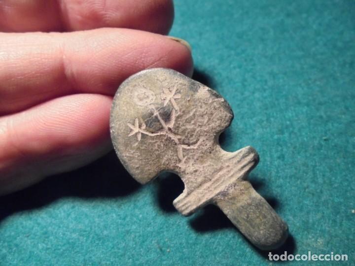 Monedas reinos visigodos: bonita aguja de hebilla de cinturon en bronce ,con interesante decoracion - Foto 3 - 287796918