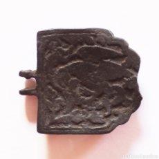 Monedas reinos visigodos: RARA PLACA HEBILLA VISIGODA O MEDIEVAL CON ANIMALES. Lote 293623888