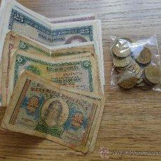 Monedas República: MAGNIFICO LOTE DE BILLETES Y MONEDAS PESETAS. Lote 35617279