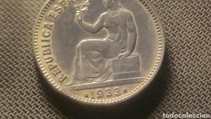 Münzen der Zweiten Republik: Moneda de plata de la republica 1 peseta 1933 - Foto 4 - 147596254