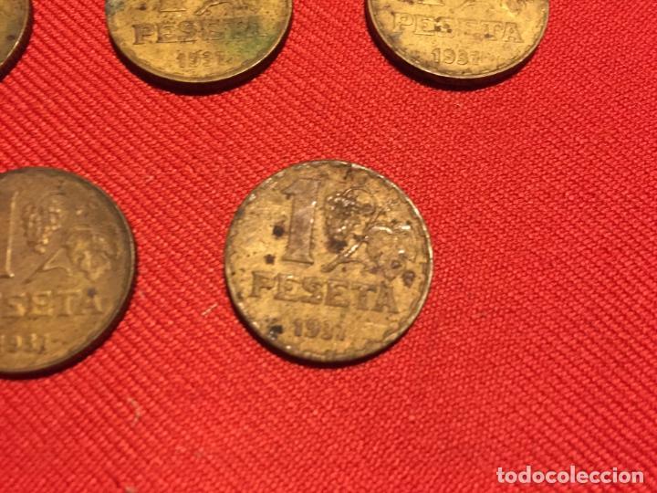 Monedas República: Antiguas 5 moneda / monedas de 1 peseta de la segunda Republica Española año 1937 - Foto 6 - 161495838