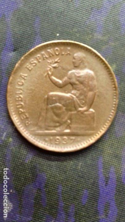 CINCUENTA CÉNTIMOS DE PESETA 1937 *1*6. 5,96 GRAMOS SC. ORLA MIXTA PARTES DE ORLA CON RAYOS DE SOL. (Numismática - España Modernas y Contemporáneas - República)