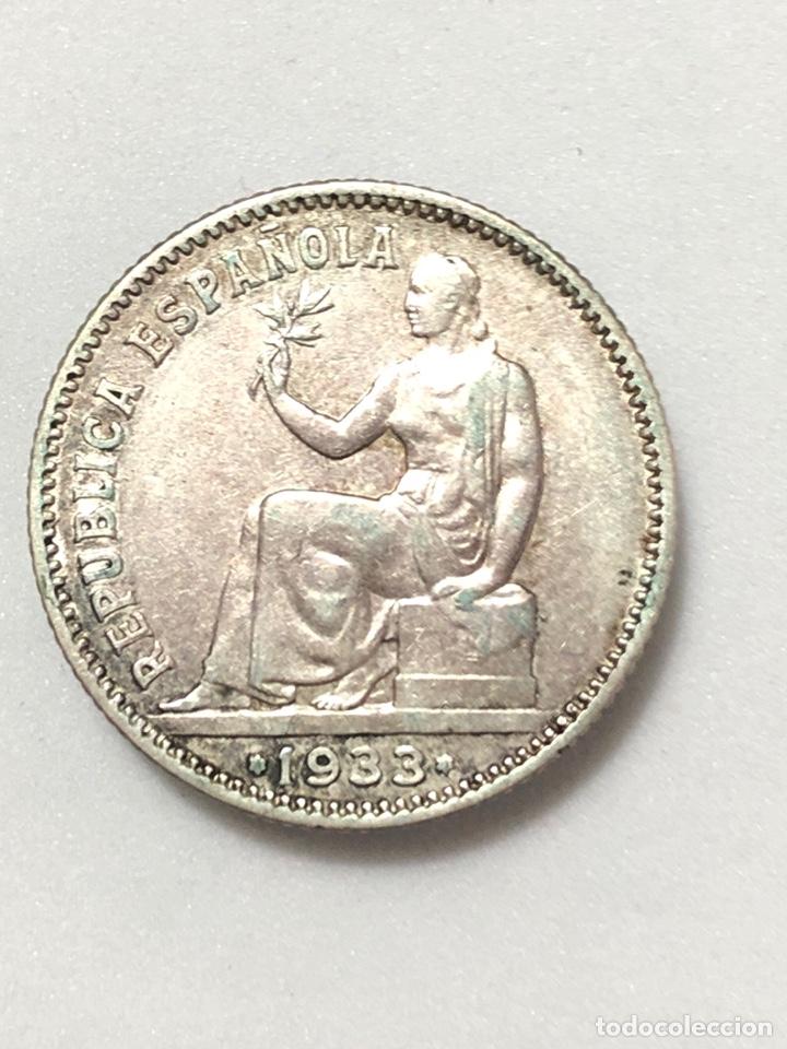Monedas República: Una peseta de plata de 1933. II Republica Española. - Foto 3 - 265877034