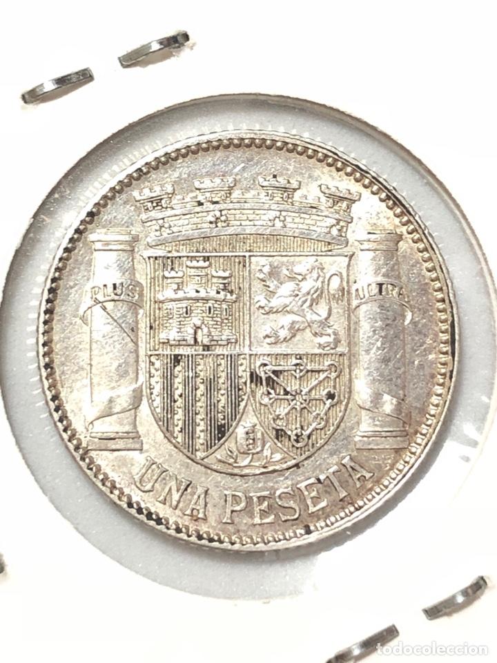 Monedas República: 1 peseta de Plata de 1933. Estrellas 3 , 4 . EBC. Republica Española. - Foto 2 - 279454843