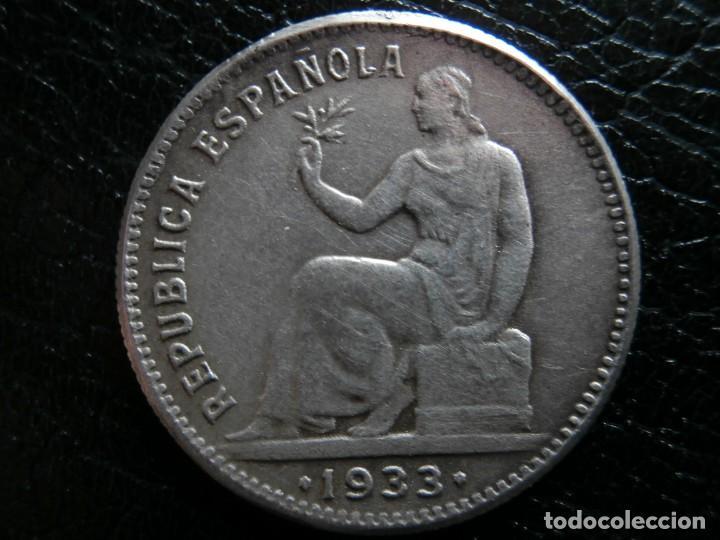 1 PESETA DE PLATA 1933 REPUBLICA ESPAÑOLA REVERSO GIRADO ( ¿FALSA DE EPOCA? ). (Numismática - España Modernas y Contemporáneas - República)
