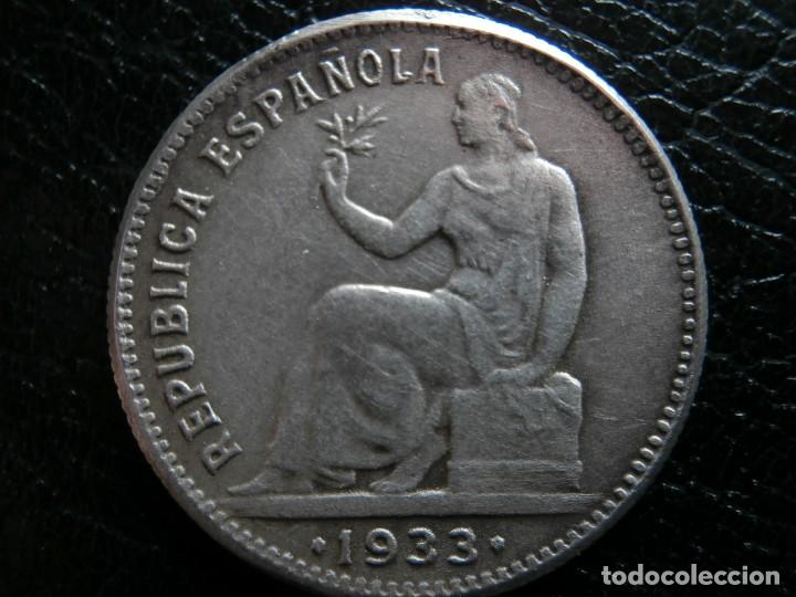 Monedas República: 1 PESETA DE PLATA 1933 REPUBLICA ESPAÑOLA REVERSO GIRADO ( ¿FALSA DE EPOCA? ). - Foto 3 - 284602128