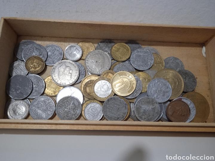 UN LOTE DE 74 MONEDAS ANTIGUAS (Numismática - España Modernas y Contemporáneas - República)