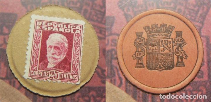 CARTÓN MONEDA SELLO DE REPUBLICA ESPAÑOLA DE 25 CÉNTIMOS + CATALOGO EL SELLO MONEDA DE LA REPUBLICA (Numismática - España Modernas y Contemporáneas - República)
