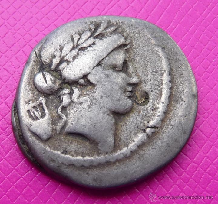 BONITO DENARIO REPUBLICANO FAMILIA CLAUDIA. PLATA. CIRCA 42-41 A.C. VER DESCRIPCIÓN Y FOTO ADICIONAL (Numismática - Periodo Antiguo - Roma República)