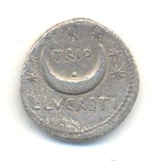 Monedas Roma República: RARO DENARIO GENS LUCRETIA (76 A.C.) SOL Y CRECIENTE ESTRELLAS DE LA CONSTELACIÓN DE LA OSA MAYOR.. Lote 41332958