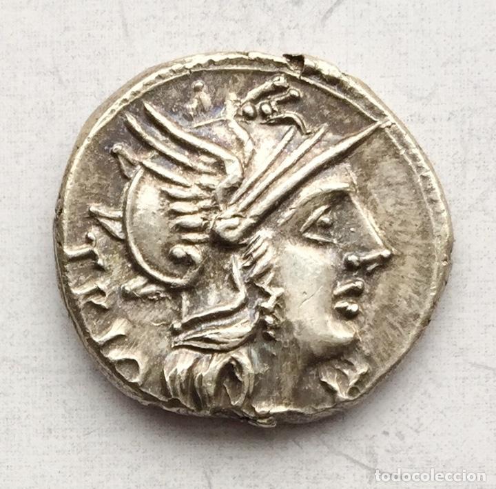 PRECIOSA MONEDA REPÚBLICA ROMANA DENARIO REPUBLICANO FAMILIA LUCRETIA LUCRETIUS TRÍO AÑO 136 A J.C. (Numismática - Periodo Antiguo - Roma República)