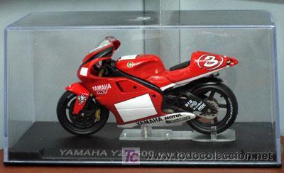 YAMAHA YZR500 MAX BIAGGI 2001 (Juguetes - Motos a Escala)