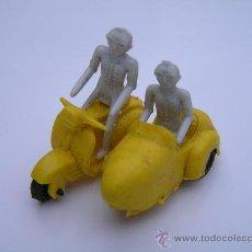 Motos a escala: ANTIGUA MOTO CON SIDECAR DE MATERIAL PLASTICO (AÑOS 60) - (MOTOSIDECAR). Lote 26158084