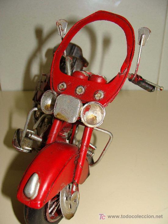 Motos a escala: GRAN MOTOCICLETA DE COLECCIÓN. TIPO GOLDWIN. 27 CM. 760 GRAMOS. MOTO DE FABRICACIÓN ARTESANAL. - Foto 2 - 20915721
