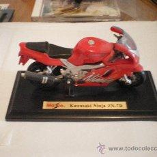 Motos a escala: MOTO KAWASAKI NINJA ZX 7 R 14 CENTIMETROS DE LARGO.. Lote 28710373
