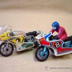 Motos in scale: MOTO, 2 MOTOS METAL, MOTO GUZZI, UNA CON PILOTO, 7 CM. Lote 28924732