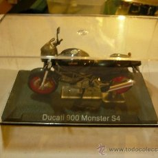 Motos a escala: MOTO DUCATI 900 MONSTER S4 ALTAYA. Lote 31396003