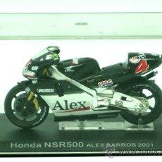 Motos a escala: MOTO HONDA NSR 500 ALEX BARROS 2001 CON CAJA. Lote 31860382