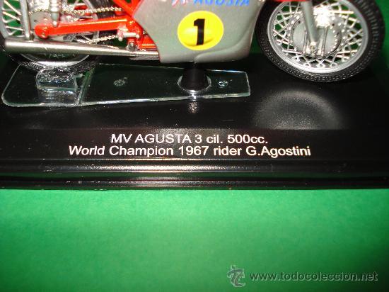 Motos a escala: Moto MV AGUSTA 3 cil. 500 cc. Campeona del Mundo 1967 Escala 1/22 Giacomo Agostini PROTAR de ITALERI - Foto 5 - 31955537