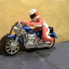Motos a escala: MOTORISTA HARLEY DAVIDSON DE MATCHBOX. Lote 33960047