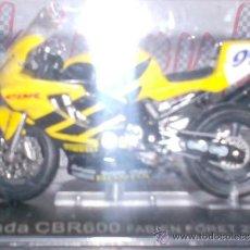Motos a escala: MOTO HONDA CBR600 FABIEN FORET AÑO 2002 ESC. 1,24 CON PEANA Y ESTUCHE . Lote 44930837