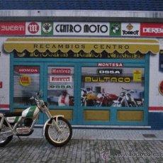Motos a escala: DIORAMA ESCALA 1/24 CENTRO MOTO. VÁLIDO PARA COLECCIÓN MOTOS CLÁSICAS DE ALTAYA.. Lote 34859637