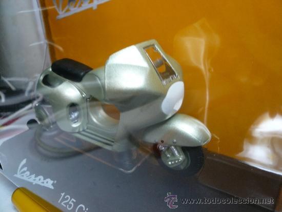 VESPA 125 CIRCUITO 1950 (Juguetes - Motos a Escala)