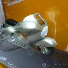 Motos a escala: VESPA 125 CIRCUITO 1950. Lote 34984437