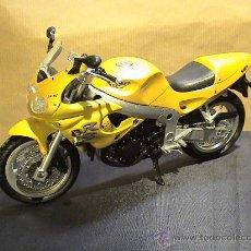 Motos a escala: MOTO TRIUMPH RS. Lote 36032806