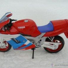Motos a escala: MAISTO 1/18 MOTO YAMAHA FZR 600R. Lote 43813609