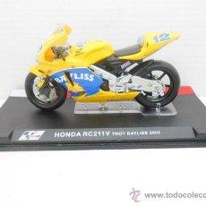 Motos in scale: MOTO HONDA RC211V TROY BAYLISS 2005 IXO ALTAYA 1/24 MOTORBIKE DIECAST MODEL ALFREEDOM. Lote 258235425